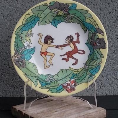 """Assiette """"Le Livre de la Jungle"""", en verre Opale Blanc. De Arcopal pour Disney."""