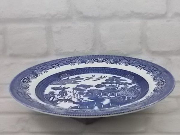 """Assiette """"Willow"""", en faïence Blanche, décors Japonisant Bleu de Churchill, Staffordshire"""