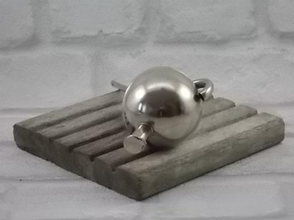 Bec verseur doseur de 5 Cl, boule avec bec et clapet en métal inoxydable, et bouchon de Liège.