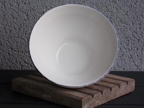 """Bol à déjeuner, en faience Blanche, à décors de """"Vieux Moustier"""" de Sarreguemines france"""