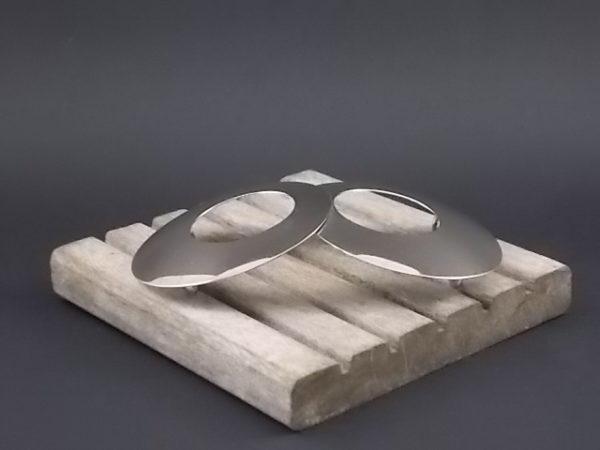 """Boucle de ceinture """"Sixties"""", en métal chromé. Accessoire de mode des années 60/70"""