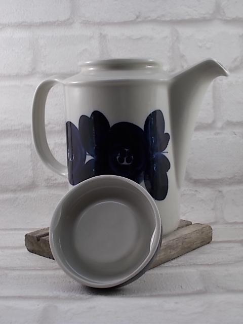 Cafetière en Grès Cérame Blanc, motif ANÉMONE Bleu peint à la main pour ARABIA