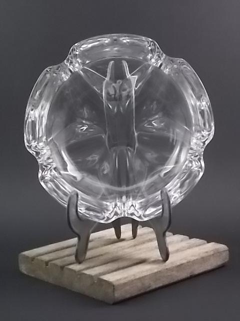 """Cendrier """"Lude"""", en Cristal garanti de plus de 24% de Plomb. De la maison Cristal d' Arques. Edité dans les années 70."""