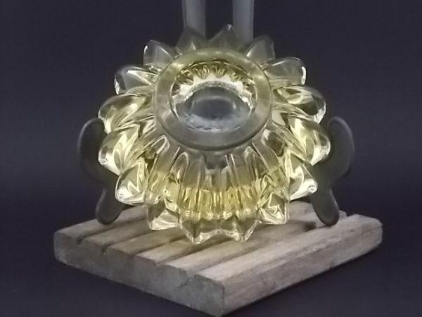 """Cendrier """"Côtelé"""" en verre moulé teinté Jaune. Surface côtelé. De Pierre d' Avesn"""