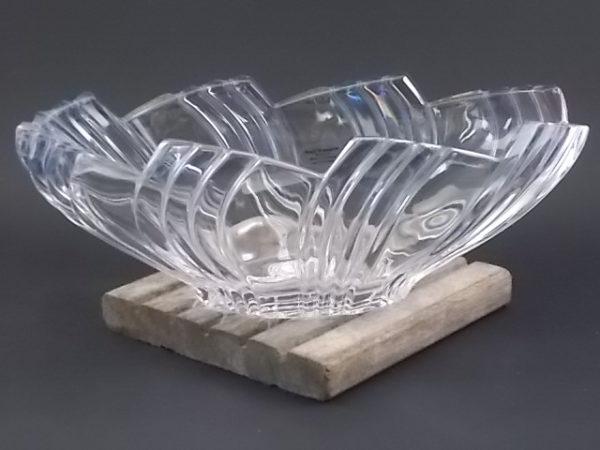 """Coupe """"Plissée"""" en Cristal 24 % de Plomb. De forme Ovale allongée, bord découpé à effet plissé drapé. De la maison Hofbauer"""