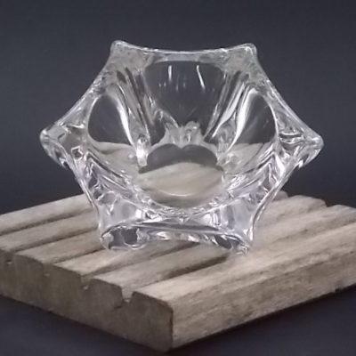 """Coupelle """"Hexagonale"""" incurvé formant des pointes. En Cristal de Daum France"""
