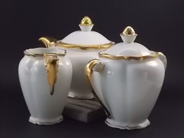"""Ensemble Thé """"Or"""", en porcelaine Blanche et dorure de l'Ancienne fabrique Royale de Limoges France"""