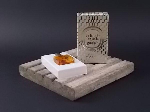 Miniature Jardins de Bagatelle Eau de Toilette 3.8 ml. Lancé en 1983 par Guerlain
