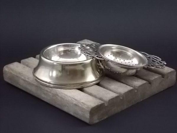 Passette à thé de Regis plate Reg., en métal argenté. EPNS n° 556 et n° 436. De style Art nouveau. Made in England