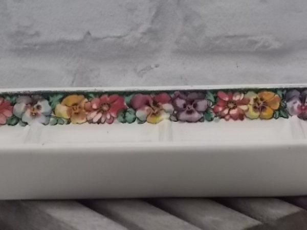 """Porte savon """"1518"""", en faïence Ivoire et frise florale. Année 20/30. De Villeroy et Boch Mettlach."""