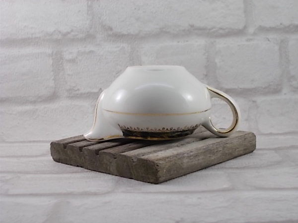 """Pot à lait en faïence Semi vitrifié Blanche, décoré d'une frise Vert Émeraude motif """"Épi de Mais"""" en dorure. De Céranord St Amand"""