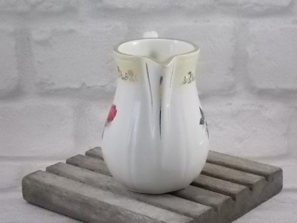"""Pot à lait """"Floralies"""", en faïence Blanche et décors floral garantie inaltérable Permacal. De Moulin des Loups Orchies."""