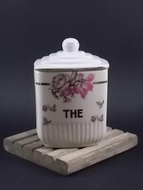 """Pot à Epice """"Thé"""", en faience Blanche à motif floral. Sans signature modèle Manon"""