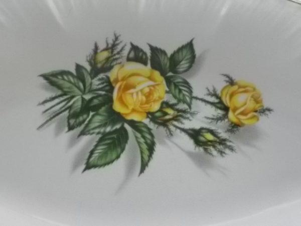 """Ravier """"Promorose"""", en faïence Blanche. Motif de Roses Jaunes. De la Manufacture Digoin Sarreguemines"""
