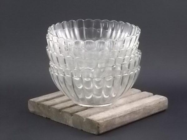 Ensemble à Salade de fruit, en verre trempé transparent festonné. Souligné d'un liseré en dorure, de Duralex