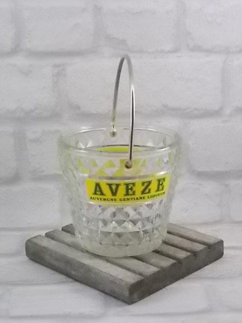 """Seau à glace """"AVEZE"""" N° 9, en verre trempé moulé pressé. Logo publicitaire sérigraphié Jaune et Vert. Anse en métal doré. De la manufacture BVB"""