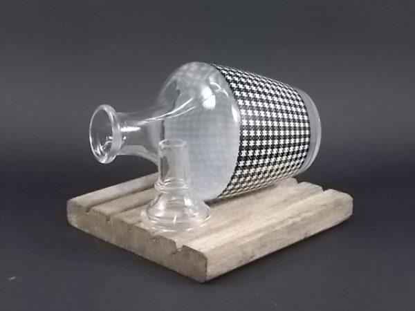 """Service à liqueur """"Damier"""" en verre moulé. Décors graphique sérigraphié Noir et couleur. De la verrerie Cristallerie d' Arques"""