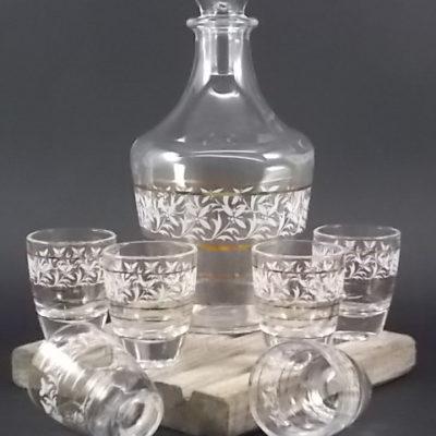 """Service à liqueur """"Fleurs"""" en verre moulé. Décors floral sérigraphié Blanc et dorure. De la verrerie Cristallerie d' Arques"""