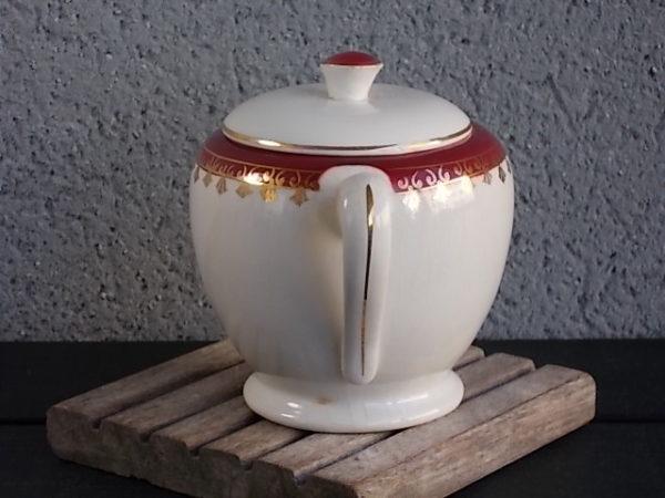 """Sucrier """"Edwige"""" en porcelaine Opaque Ivoire, et frise Bordeaux et dorure. De Sarreguemines Digoin France"""
