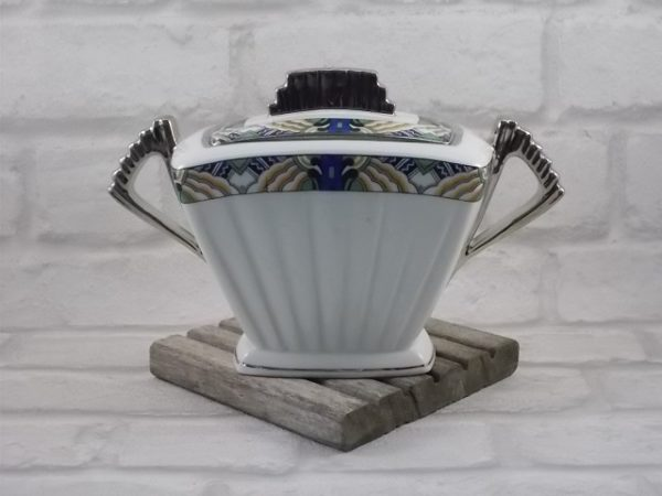 """Sucrier """"Éventail"""", en porcelaine Blanche. De style Art Déco avec galon et rehaussé en Platine; De D.R.B Limoges"""
