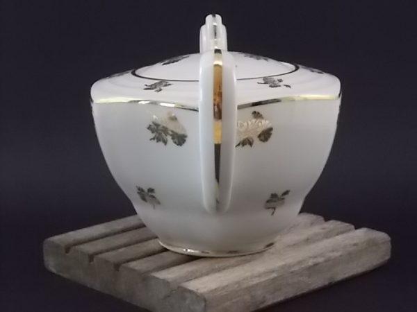 """Sucrier """"Fleurs Or"""", en porcelaine Blanche. Décors floral et liseré en dorure. De Edgar Gaucher, Vierzon."""