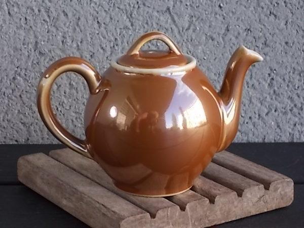 """Théière """"Boule"""", en porcelaine à feu Marron irisé. De Charles Pillivuyt & Cie Mehun France"""
