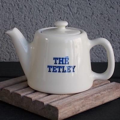 """Théière """"Thé Tetley"""" individuelle de Bistrot. Article Publicitaire. De la Manufacture Pillivuyt France"""
