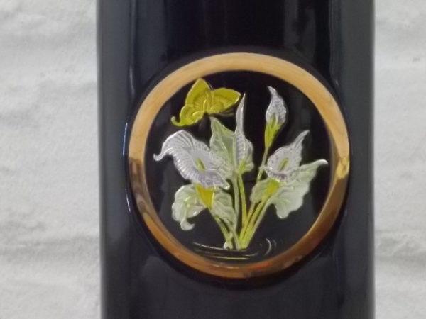 """Vase """"The Art of Chokin"""", en céramique Noire. Décors floral en médaillon Or 24 KT. Made in Japan"""