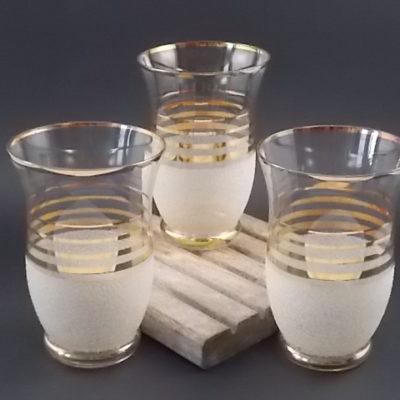 """Verre à Orangeade """"Granité Blanc"""". Décors de projection de verre coloré et bandes en dorure. Des années 40/50."""