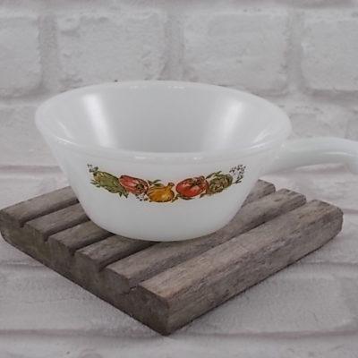 Bol à soupe en verre opale blanc agrémenté d'un motif sérigraphié de Légumes du Potager, de la marque Anchor Hocking made in USA