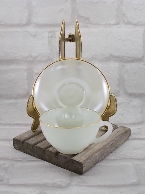 """Service à café """"Arlequin"""" en verre Opale de couleur Pastel Nacré d' """"Arcopal"""" ensemble de 6 tasses et soucoupes - Colorie Crème"""