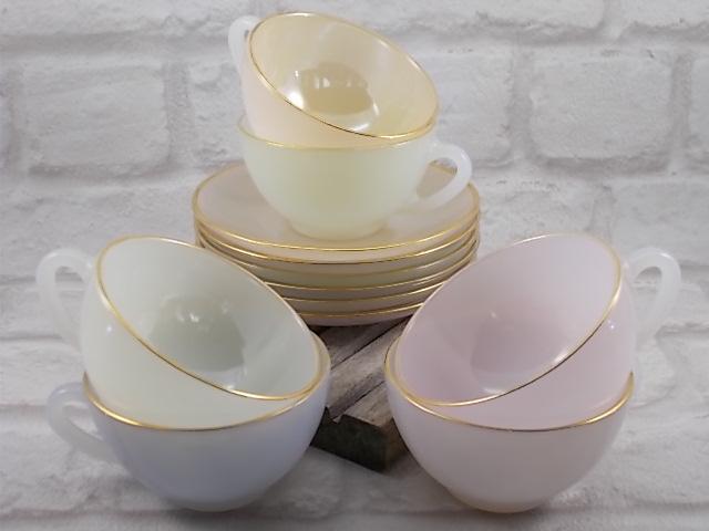 """Service à café """"Arlequin"""" en verre Opale de couleur Pastel Nacré d' """"Arcopal"""" ensemble de 6 tasses et soucoupes"""