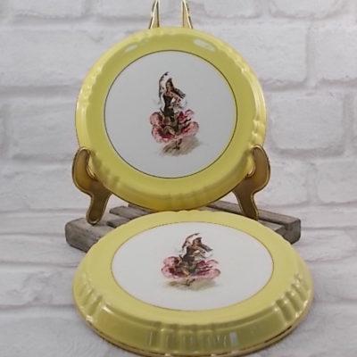 """2 Repose plat en faïence """"Orchies"""" Moulin des Loups, motif """"Danseuse de Flamenco"""" et tour jaune avec liseré dorure"""