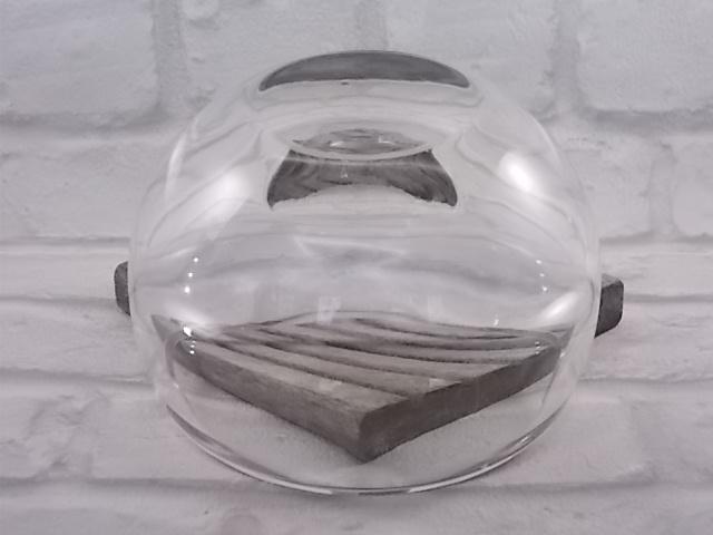 Cendrier forme bocal en verre, fond épais effet bulle intérieure, trois repose cigarette