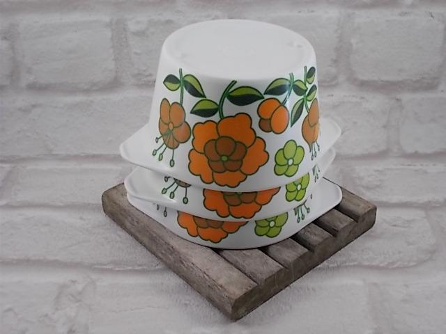 """Bol """"Téfal"""" en mélamine Blanc motif floral Orange et Vert année 70"""