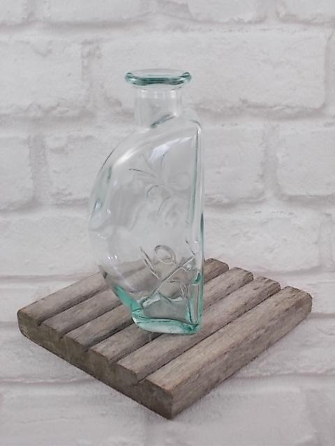 """Verseuse Huile d'Olive, par la marque """"Lesieur"""". En verre moulé teinté Vert Emeraude."""